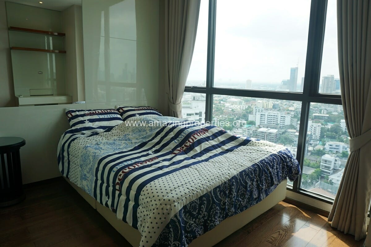 2 Bedroom condo for Sale The Address Sukhumvit 28-17