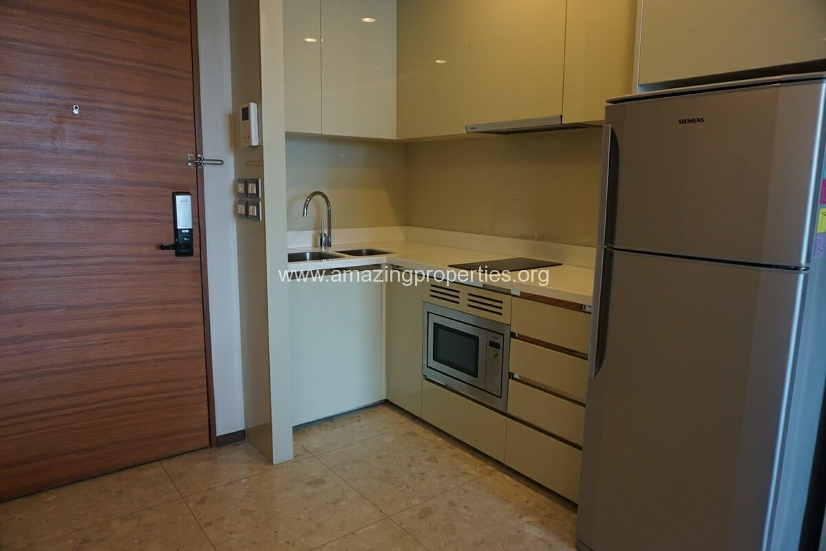 2 Bedroom condo for Sale The Address Sukhumvit 28-2