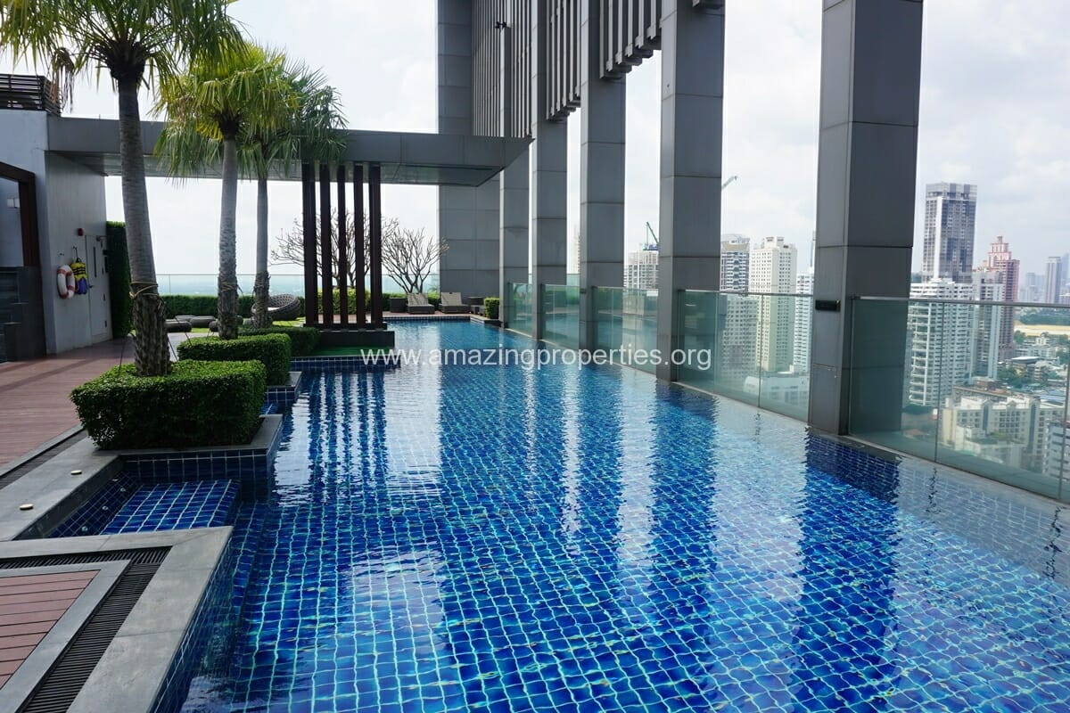 2 Bedroom condo for Sale The Address Sukhumvit 28-22