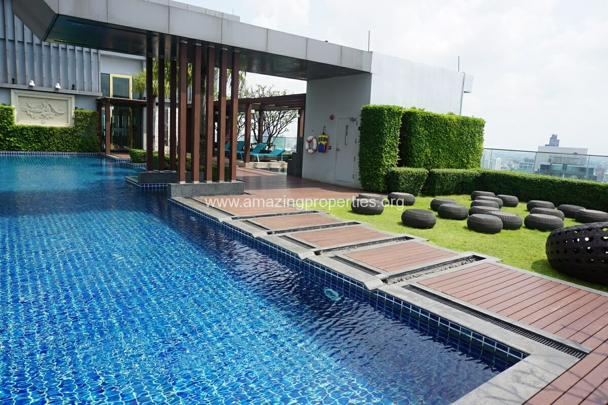 2 Bedroom condo for Sale The Address Sukhumvit 28-25