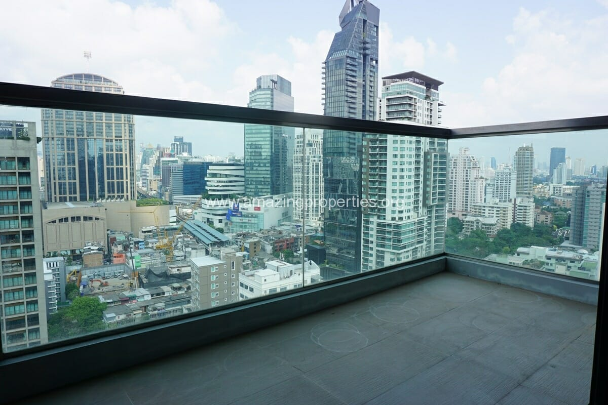 2 Bedroom condo for Sale The Address Sukhumvit 28-5