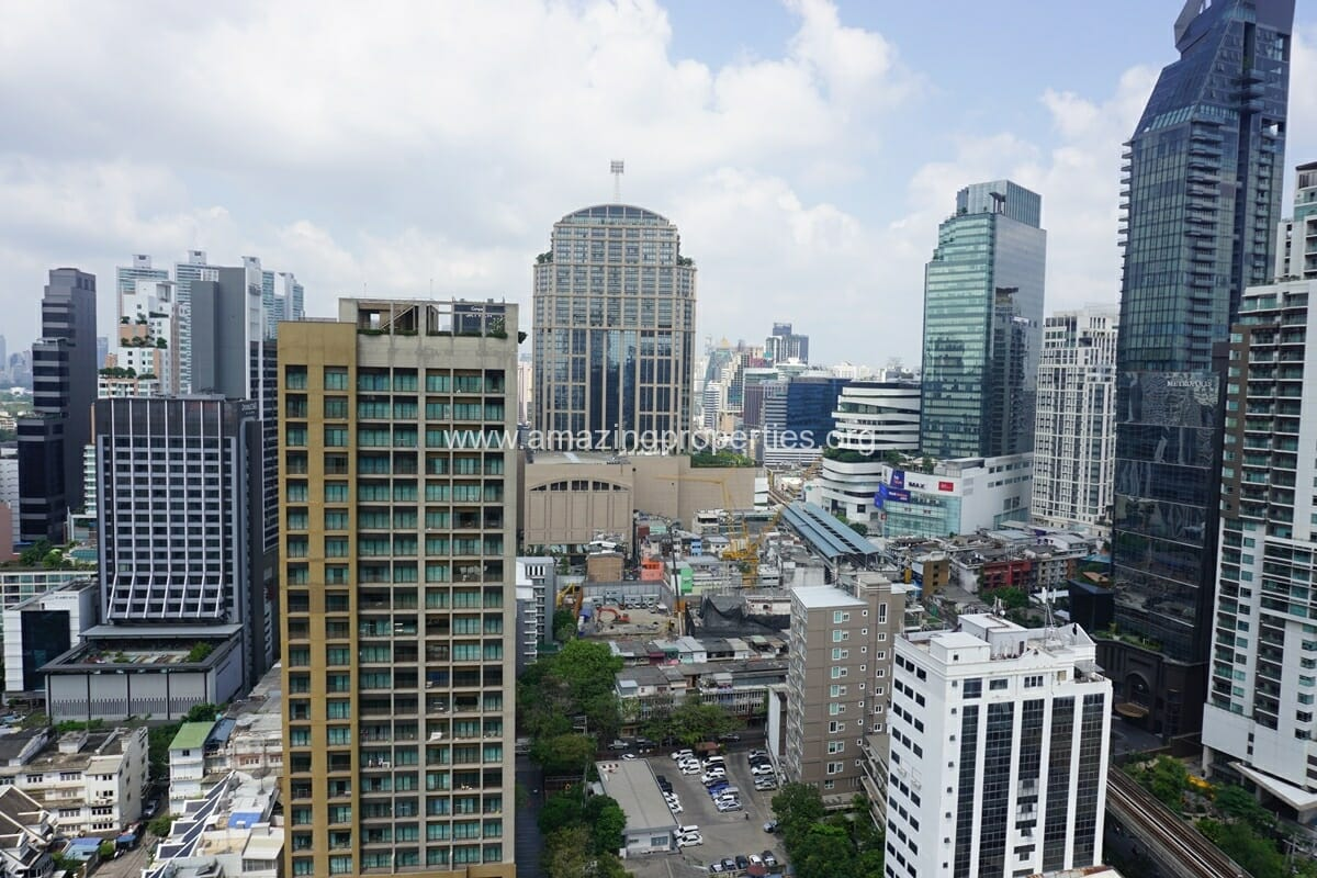 2 Bedroom condo for Sale The Address Sukhumvit 28-6