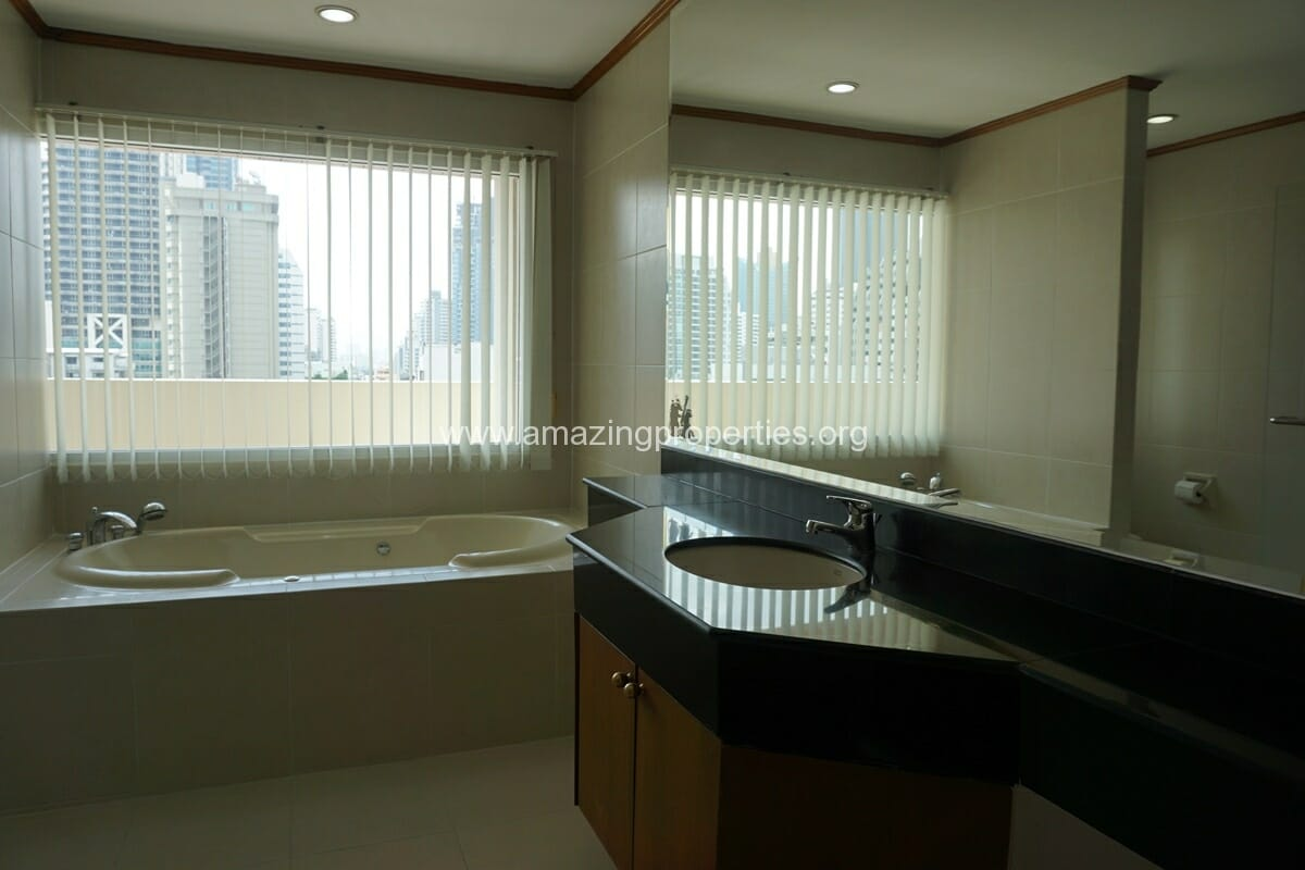 Chaidee Mansion 2 Bedroom Apartment for Rent-12