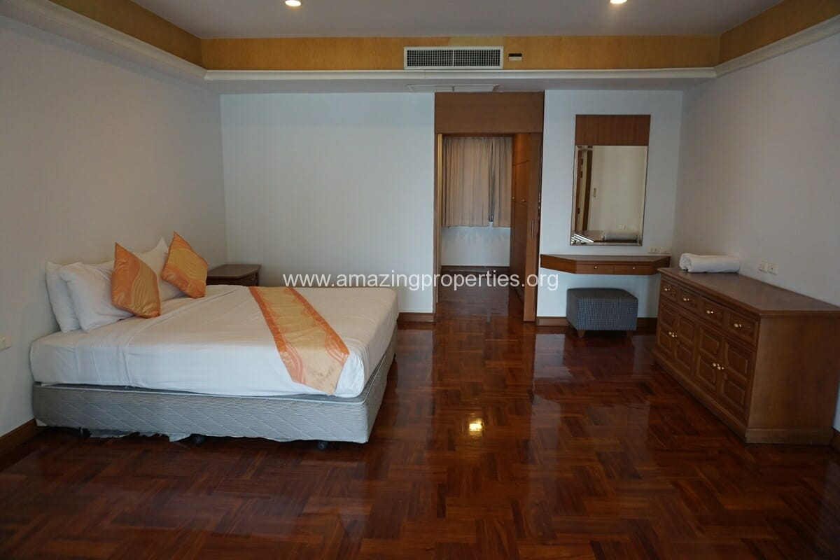 Chaidee Mansion 2 Bedroom Apartment for Rent-16