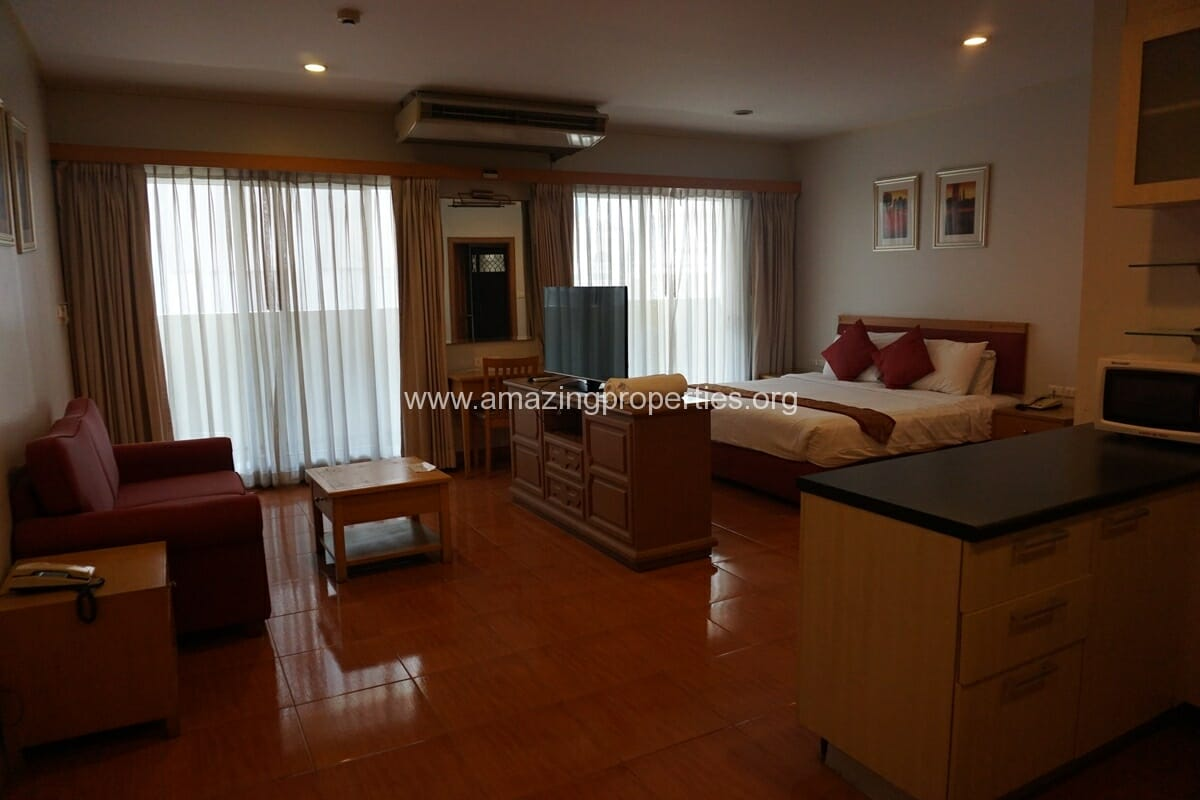 Chaidee Mansion Studio apartment for rent