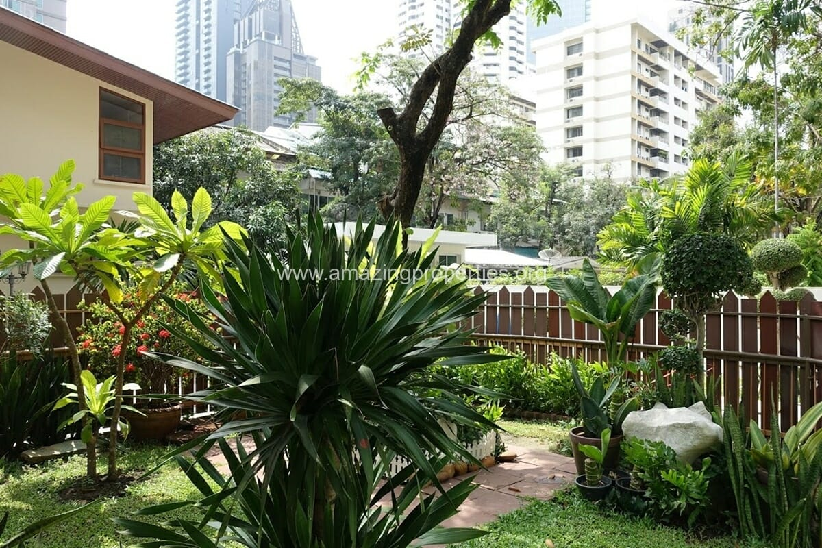 Phrom Phong 3 Bedroom House-13