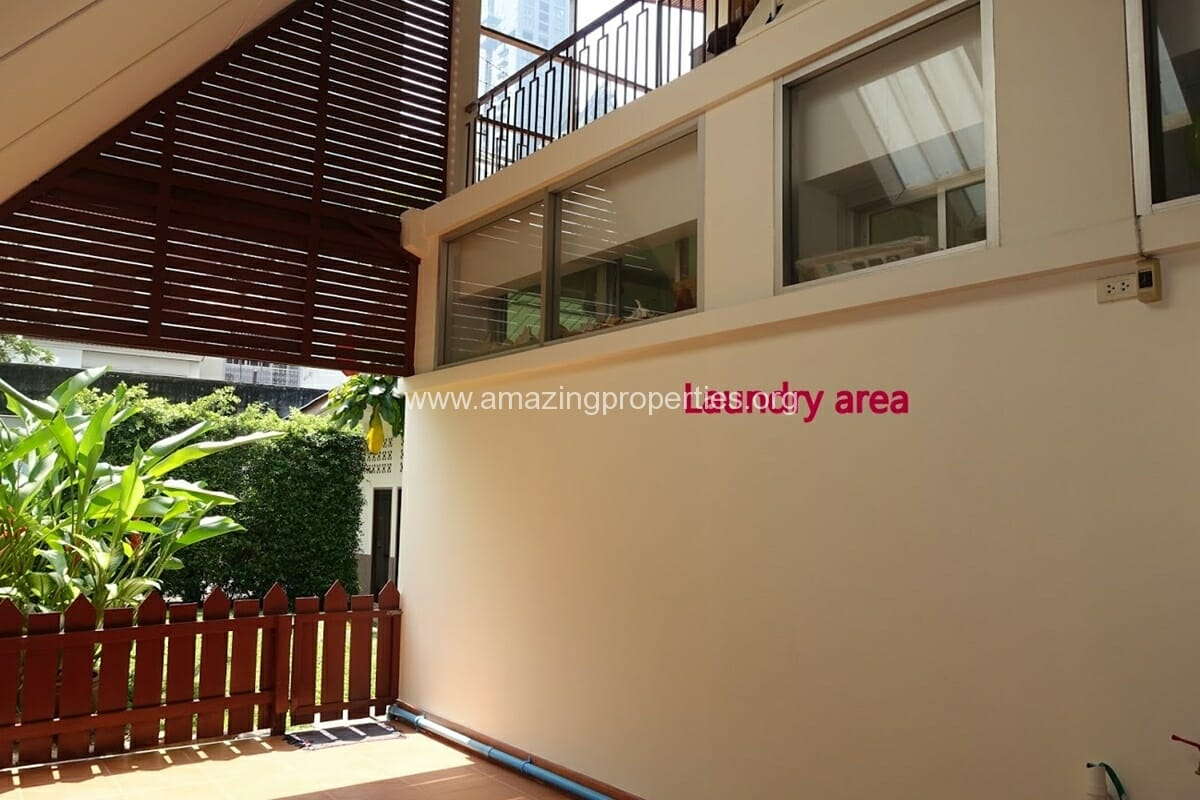 Phrom Phong 3 Bedroom House-4