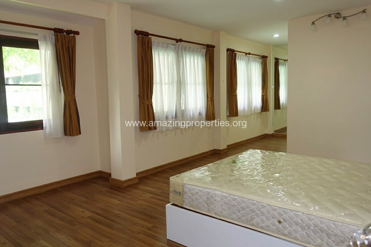 Phrom Phong 3 Bedroom House-7