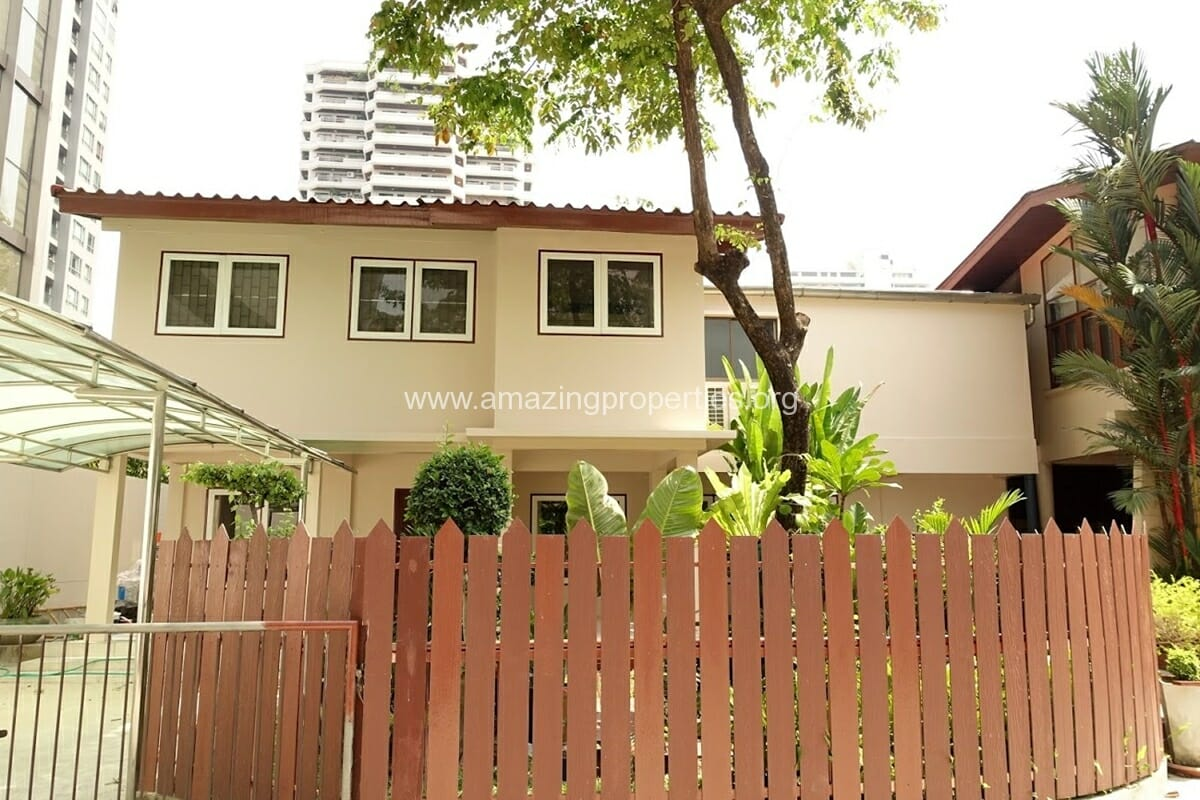 Phrom Phong 3 Bedroom House