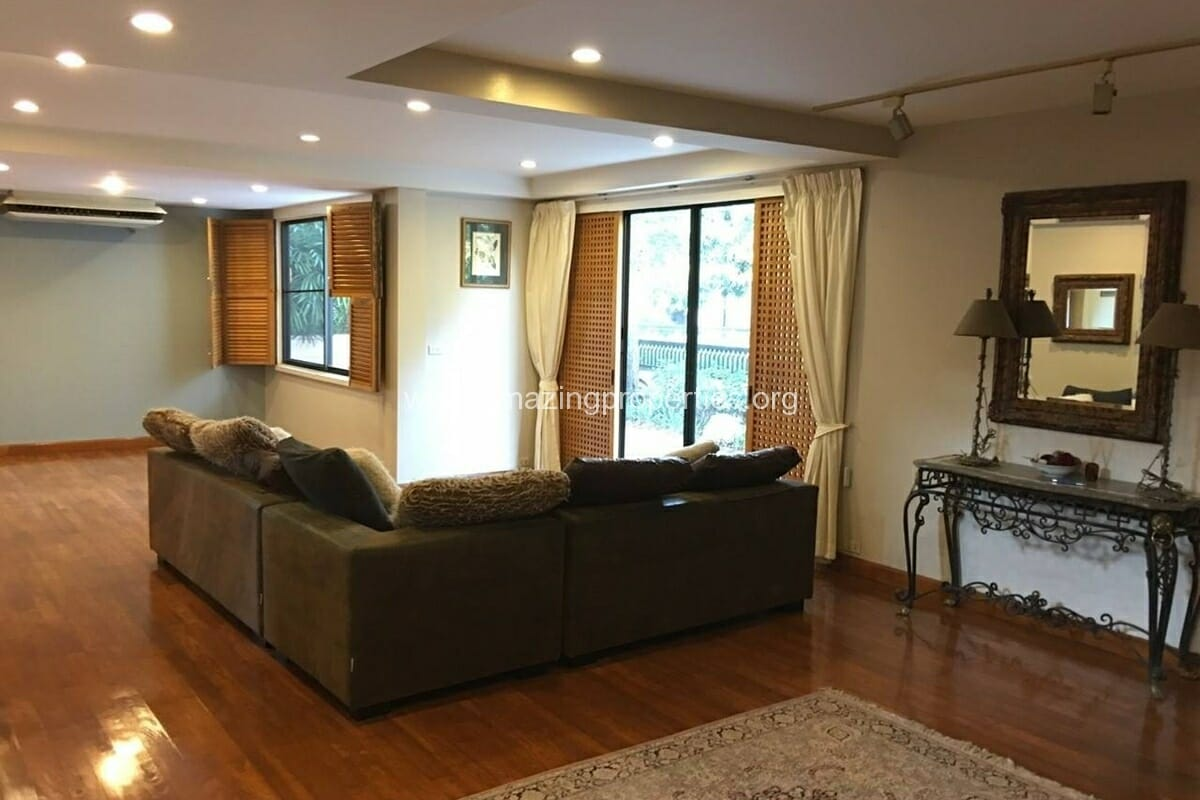 Thonglor 4 Bedroom House for Rent-12