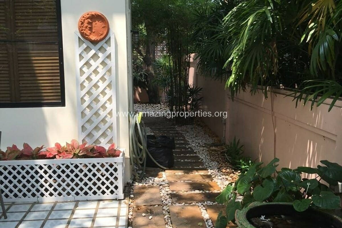 Thonglor 4 Bedroom House for Rent-15