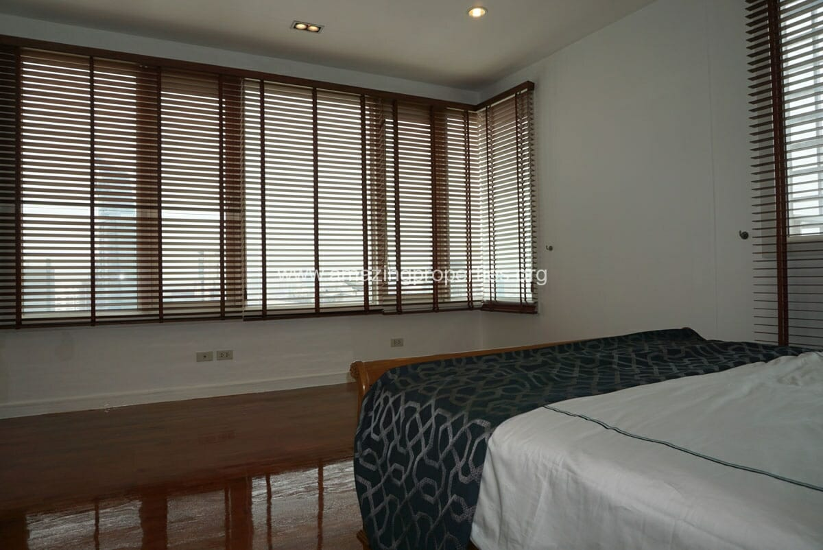 4 Bedroom Duplex Penthouse Phrom Phong-20