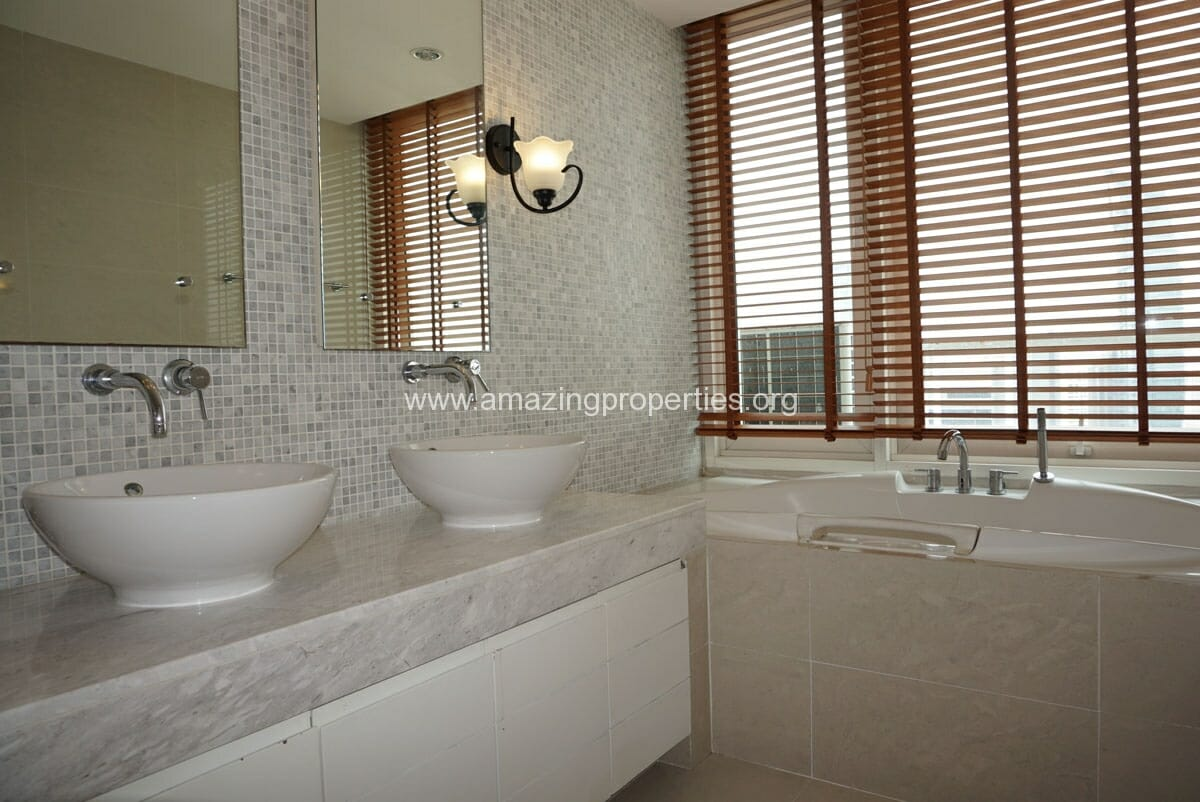 4 Bedroom Duplex Penthouse Phrom Phong-21