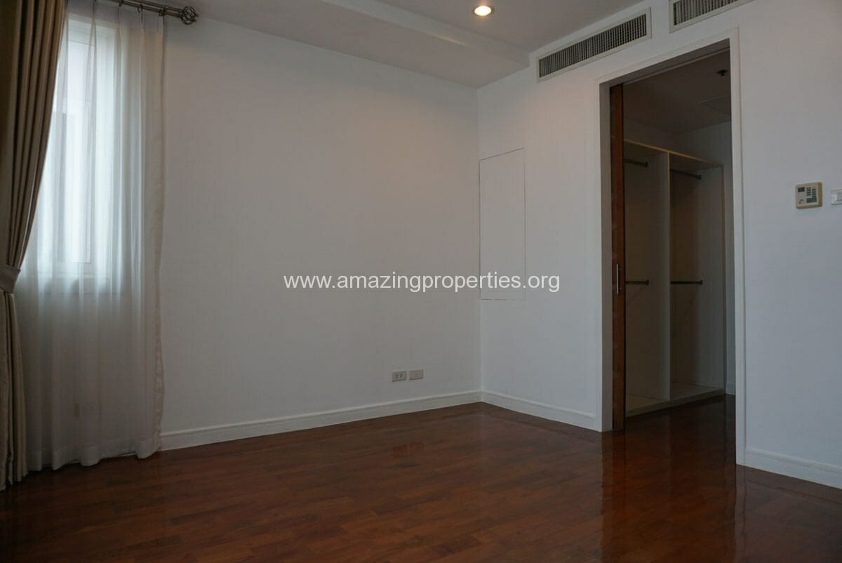 4 Bedroom Duplex Penthouse Phrom Phong-26