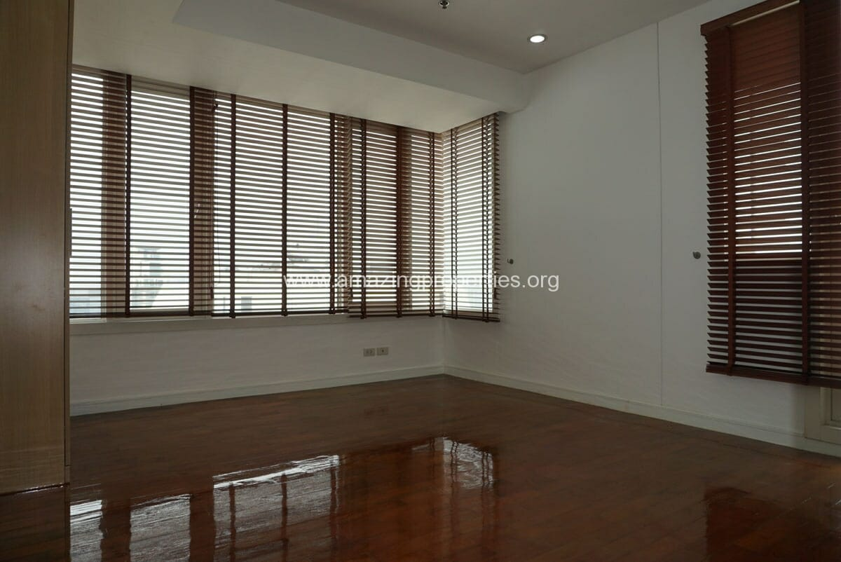 4 Bedroom Duplex Penthouse Phrom Phong-7