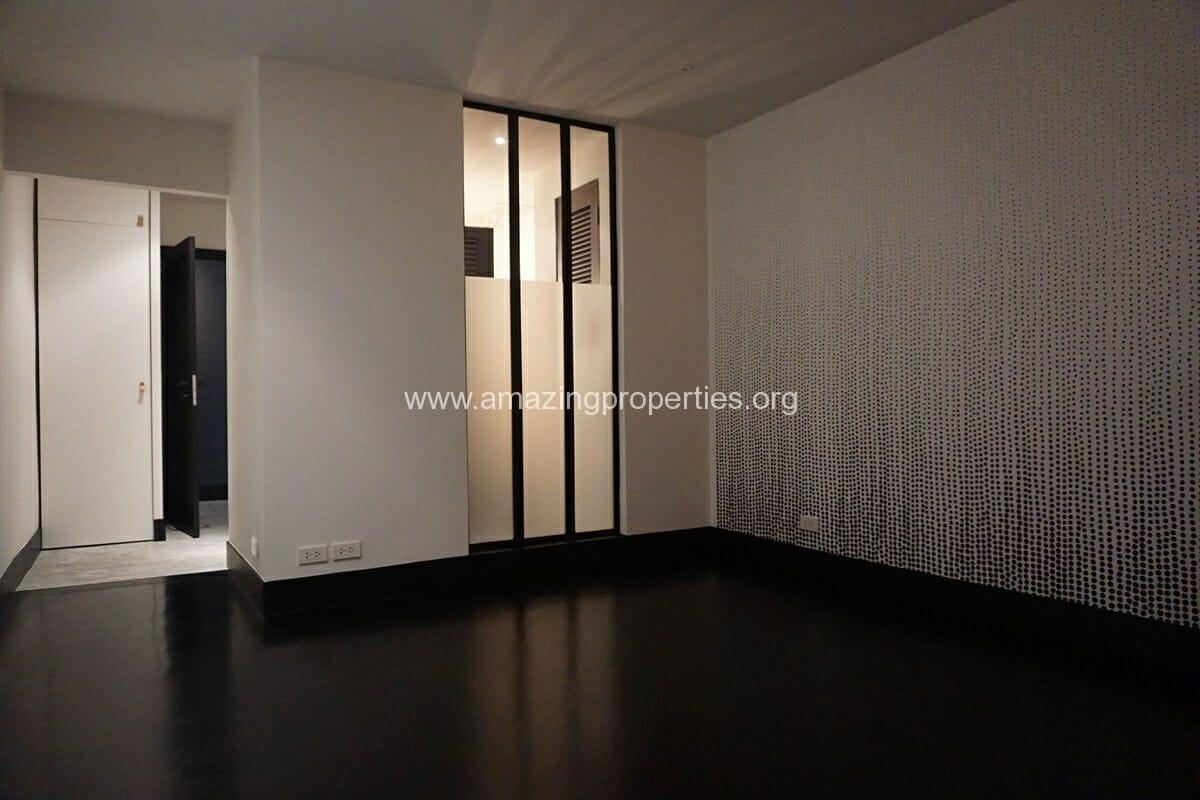 4 bedroom Condo La Cascade Ekkamai-15