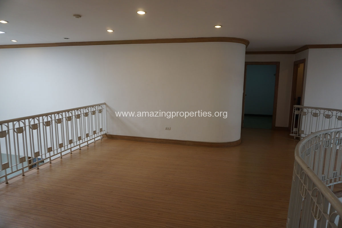 Phrom Phong 4 Bedroom Penthouse for Rent-12