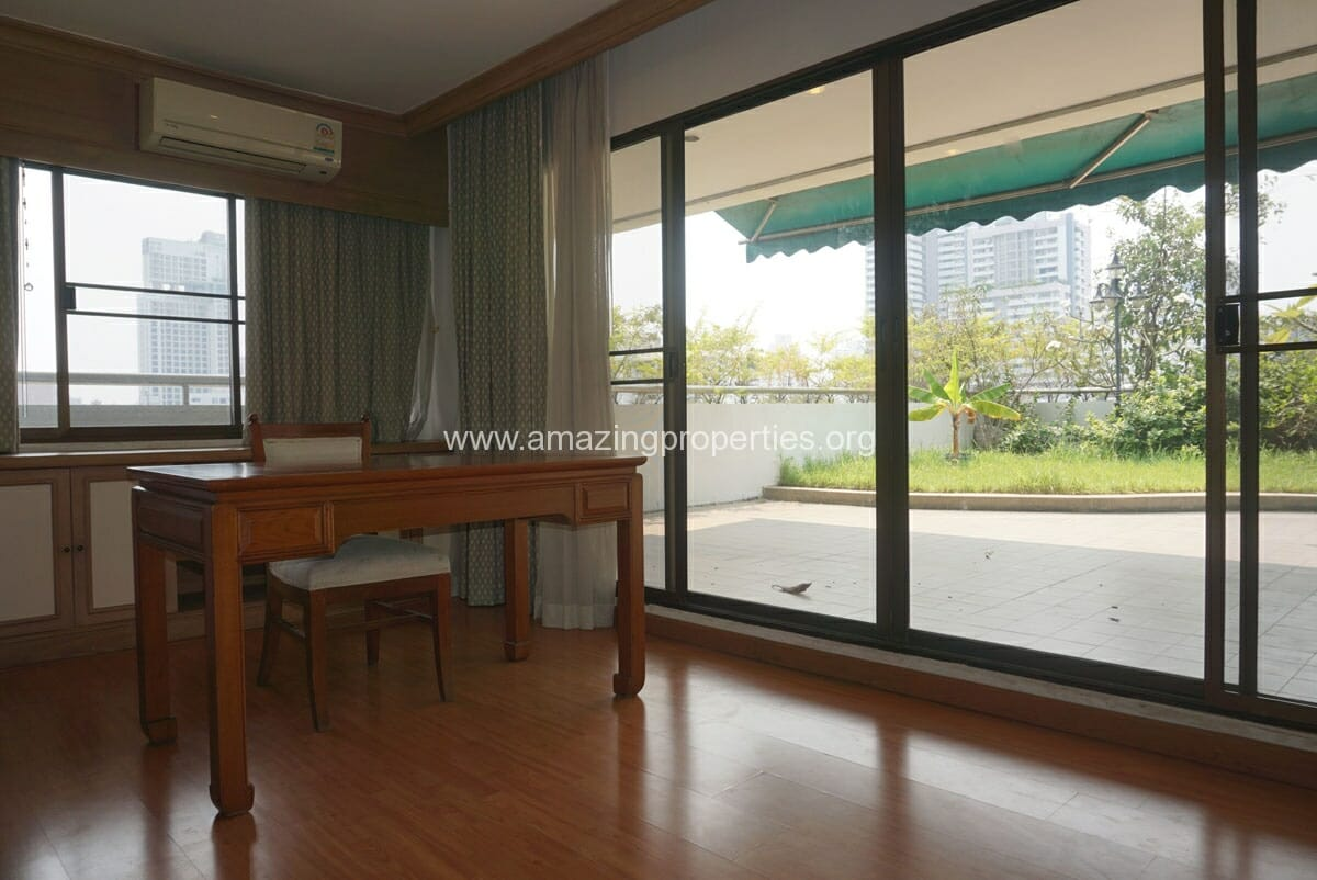 Phrom Phong 4 Bedroom Penthouse for Rent-13