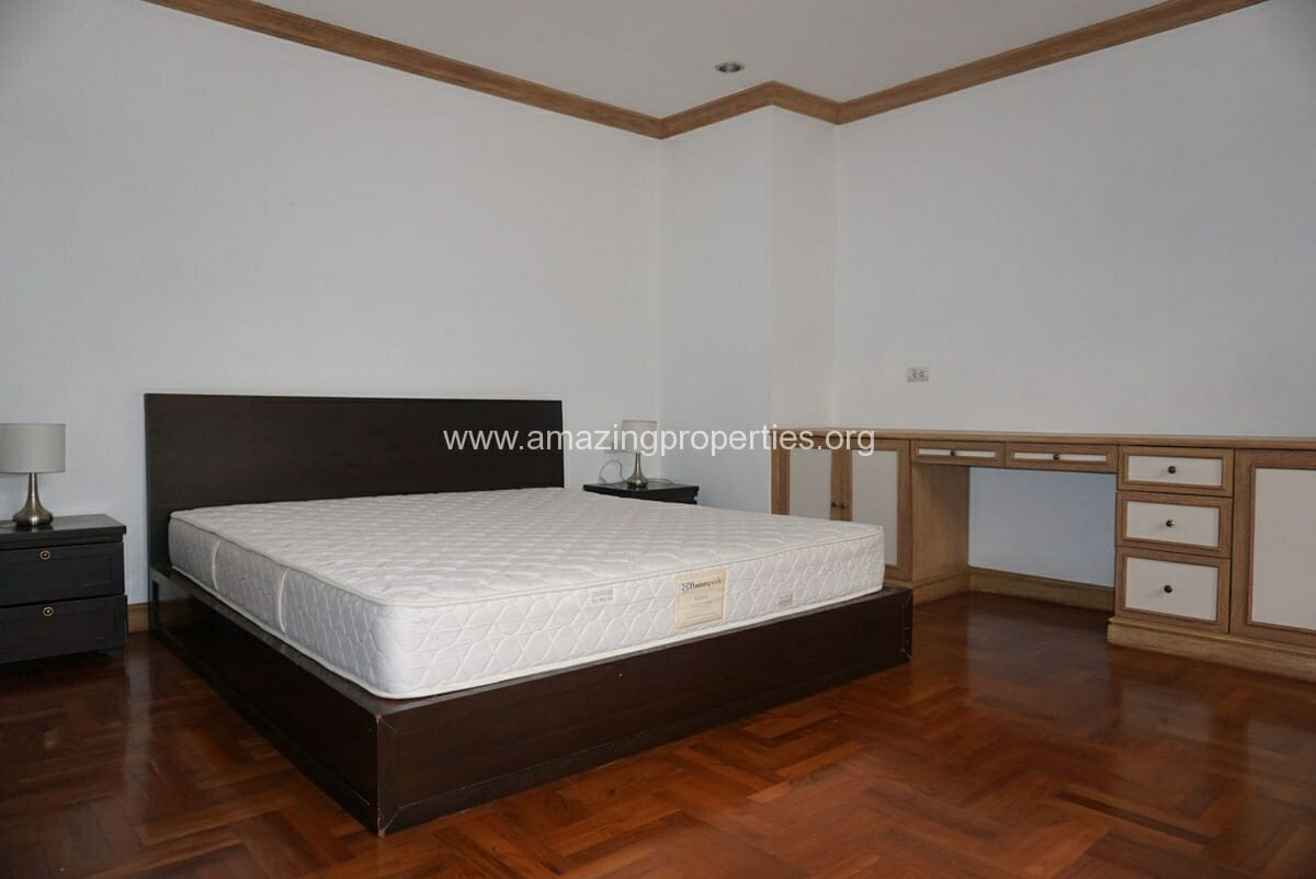 Phrom Phong 4 Bedroom Penthouse for Rent-8