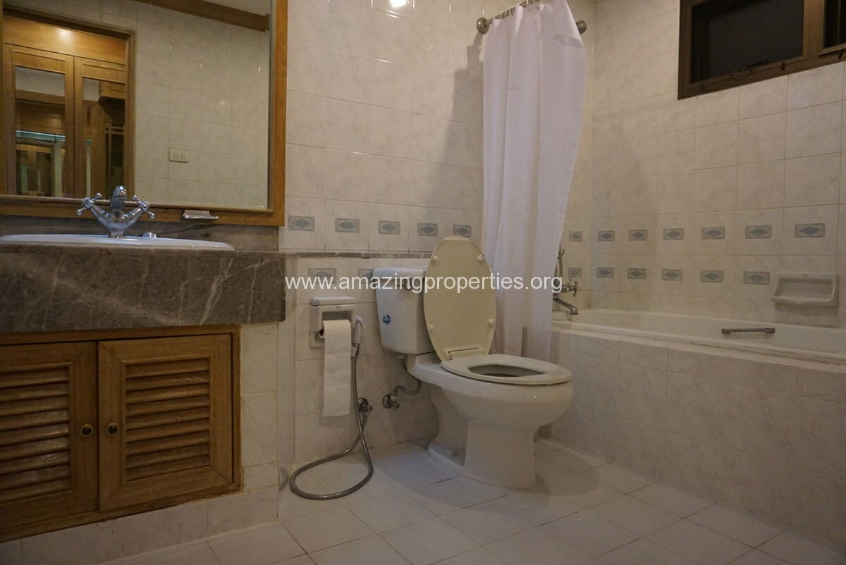 Phrom Phong 4 Bedroom Penthouse for Rent-9