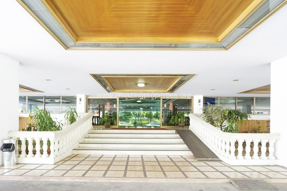Sethiwan Palace Sukhumvit 4