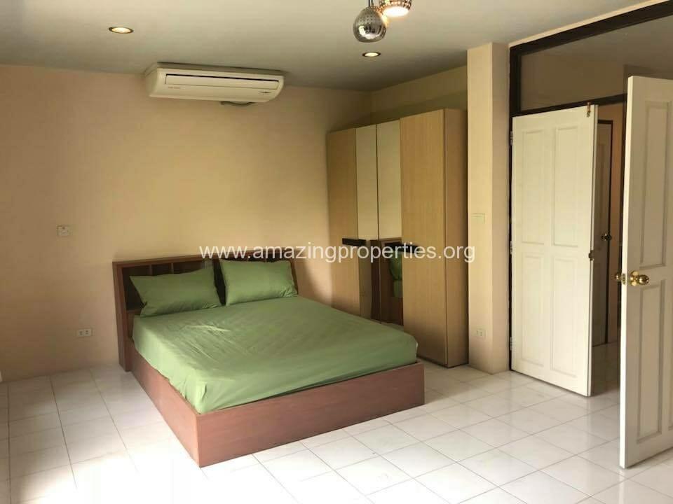 Phrom Phong 3 Bedroom House-11