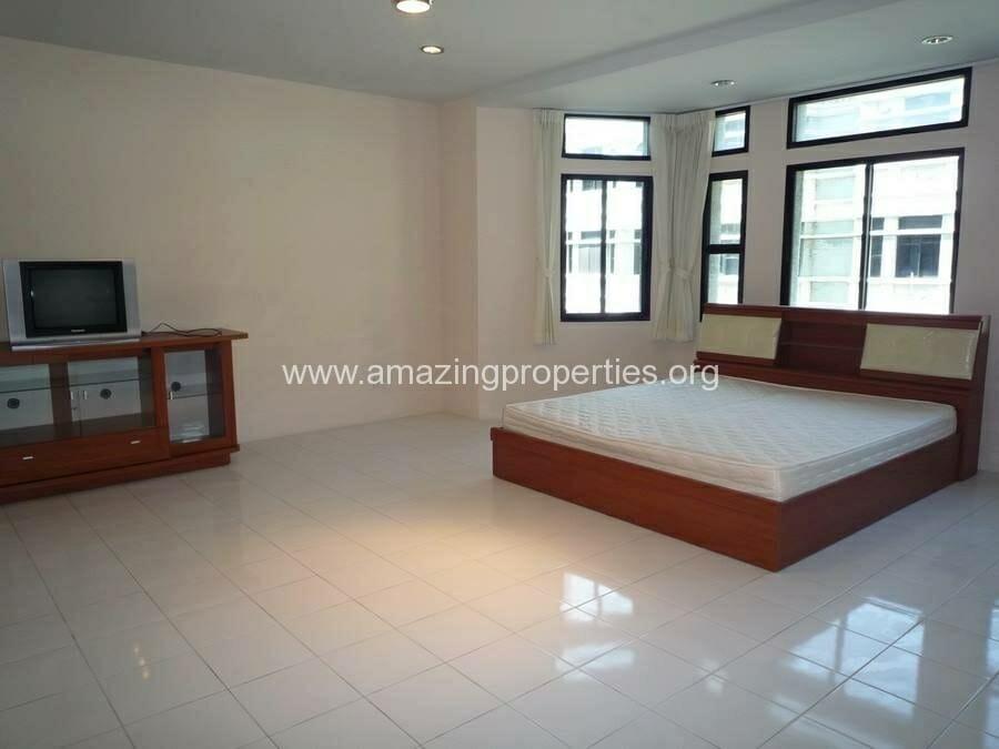 Phrom Phong 3 Bedroom House-14