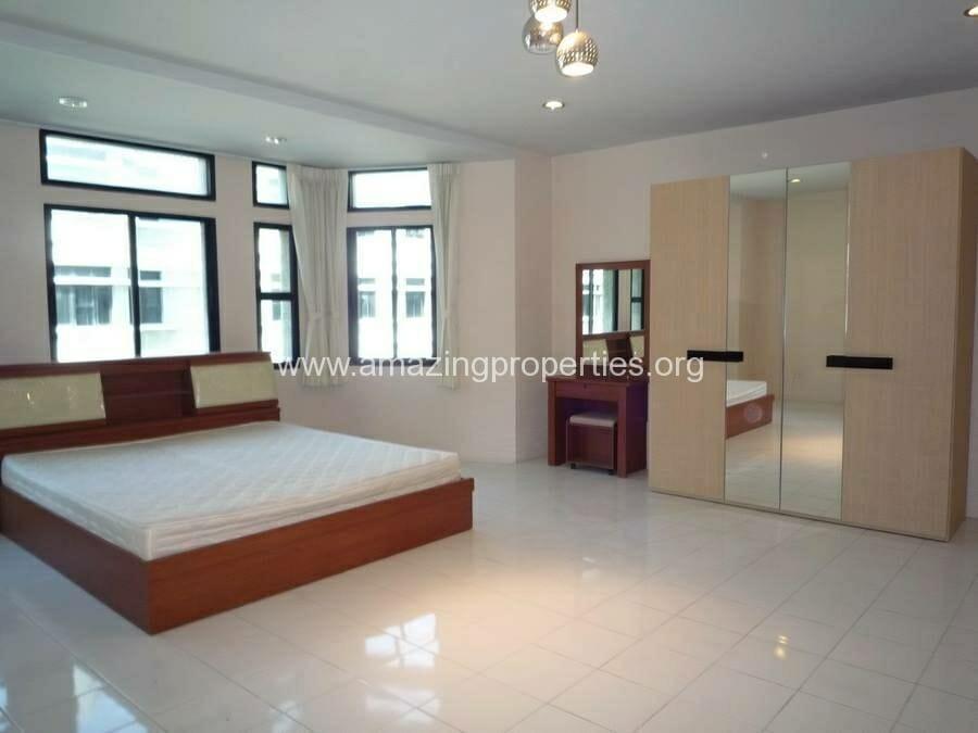 Phrom Phong 3 Bedroom House-15