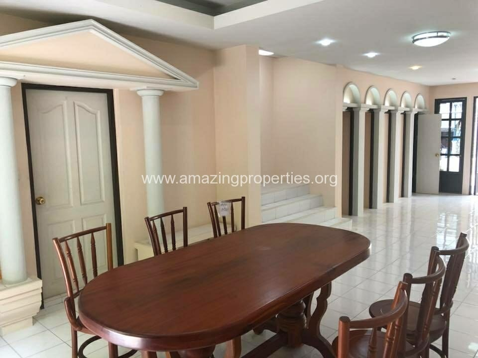 Phrom Phong 3 Bedroom House-3