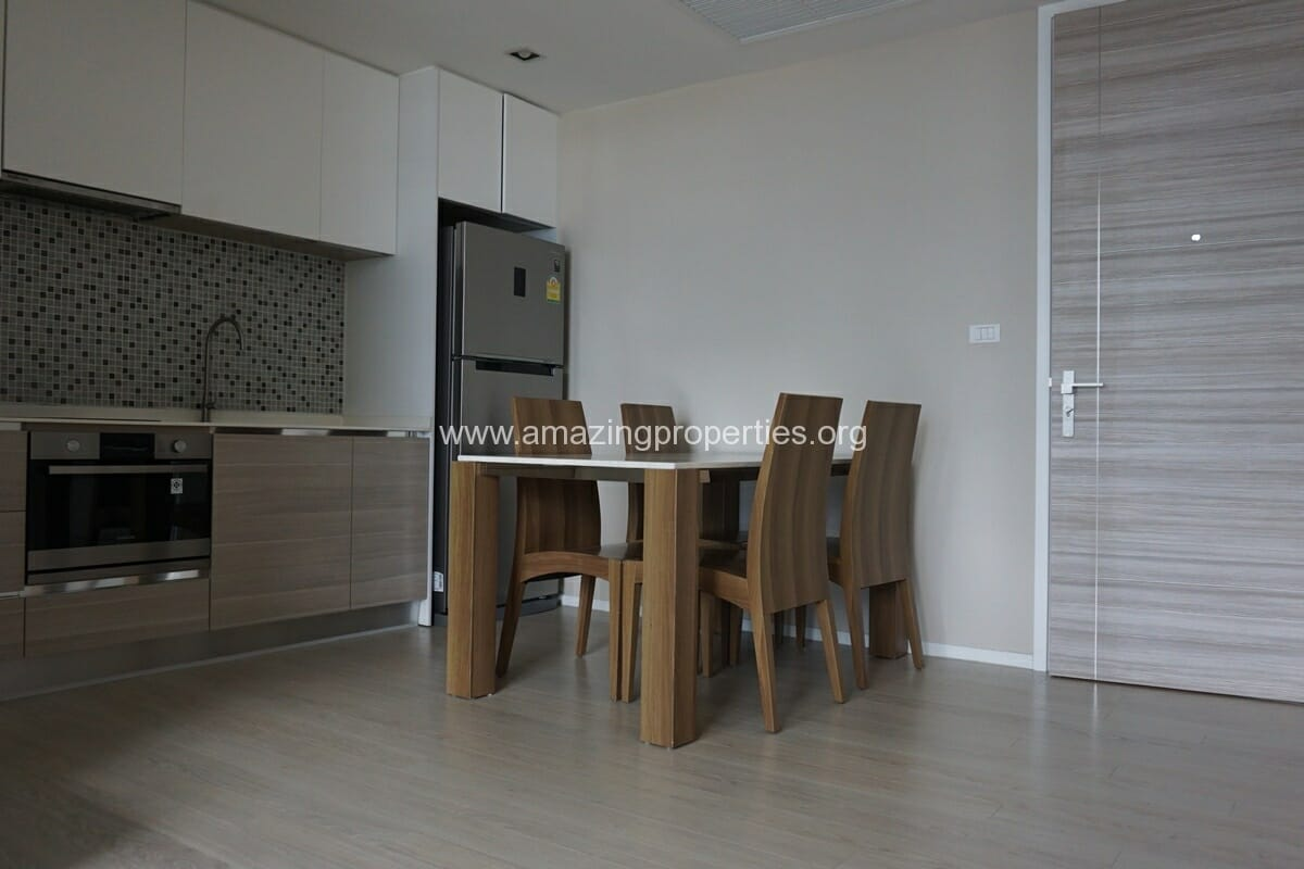 The Room 21 Asoke 1 bedroom Condo(2)