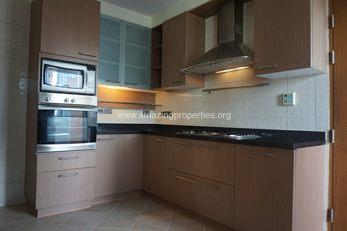3 Bedroom Apartment for Rent BT Residence (4)