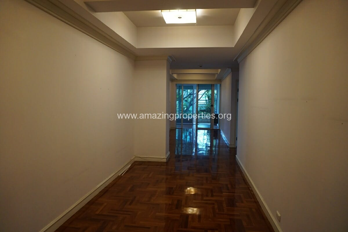4 Bedroom Apartment Sachayan Court with Private Garden (10)
