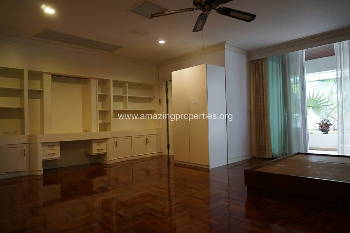 4 Bedroom Apartment Sachayan Court with Private Garden (14)