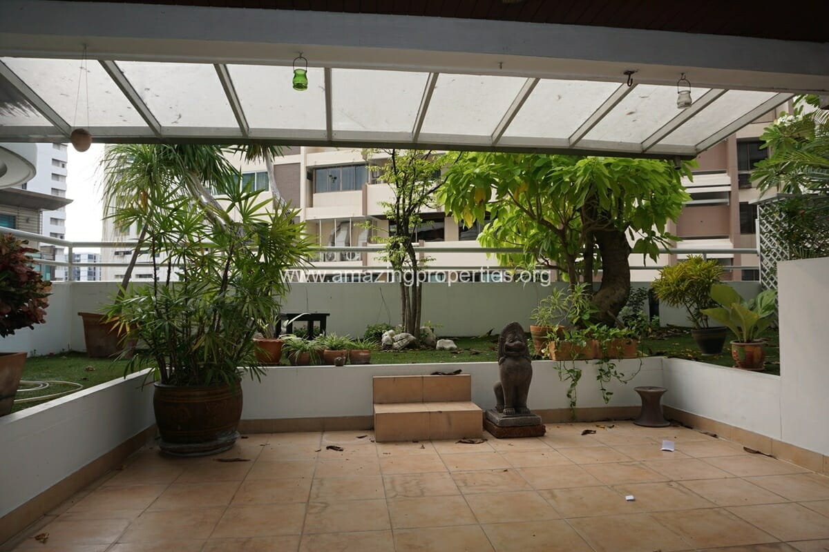 4 Bedroom Apartment Sachayan Court with Private Garden (2)
