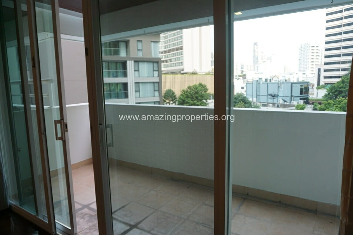 4 Bedroom Apartment Sachayan Court with Private Garden (28)