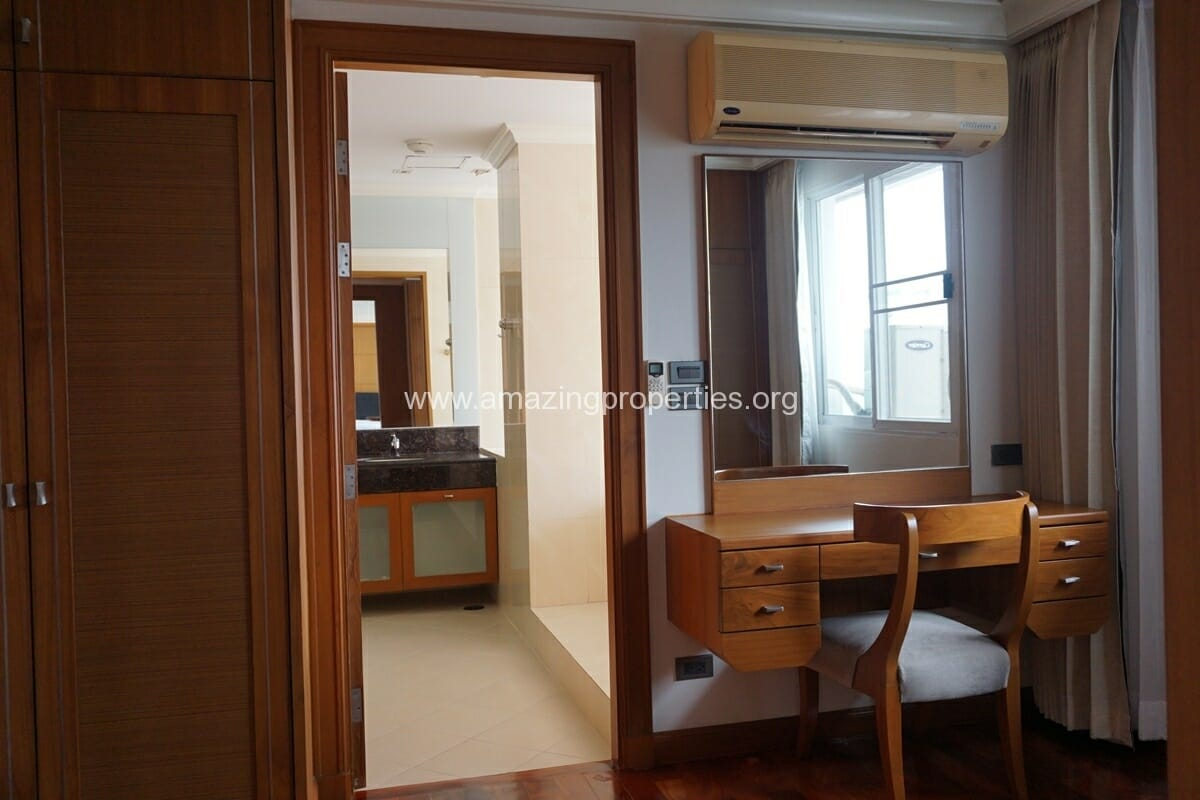 4 Bedroom Apartment for Rent BT Residence (14)
