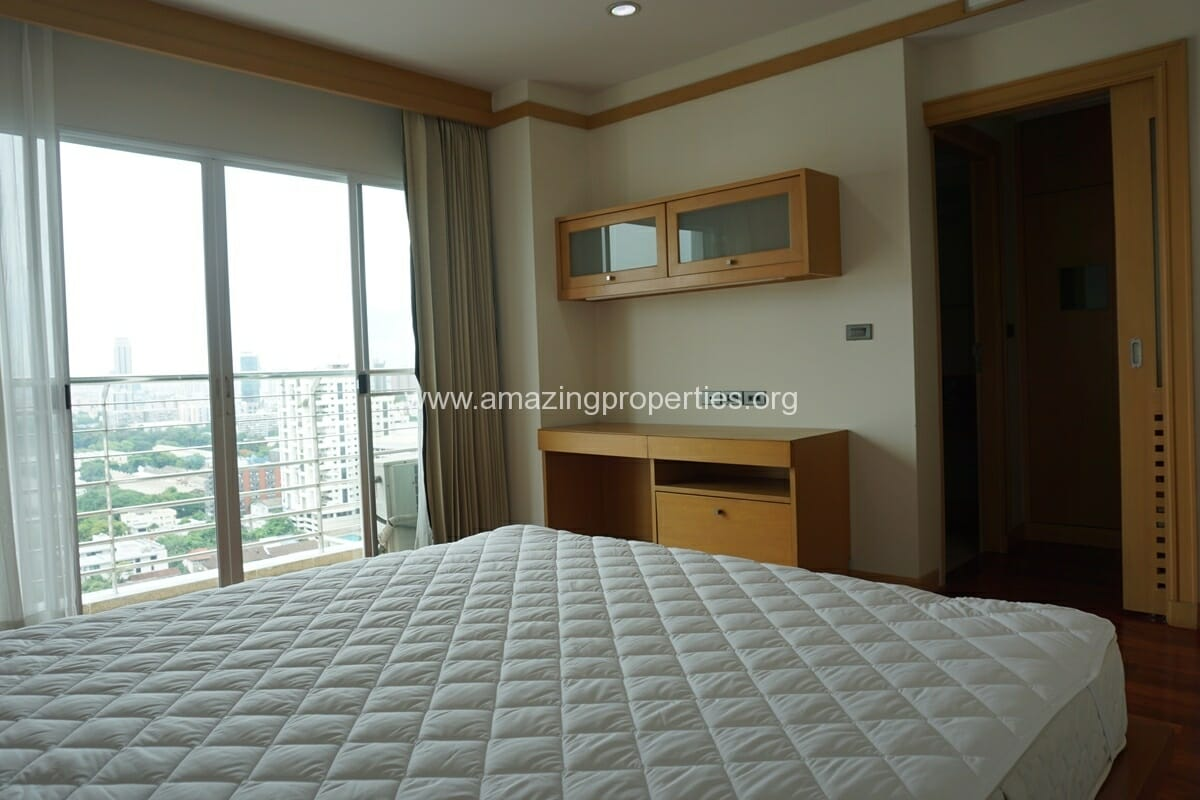 4 Bedroom Apartment for Rent BT Residence (27)