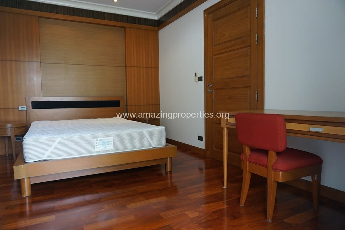 4 Bedroom Apartment for Rent BT Residence (37)