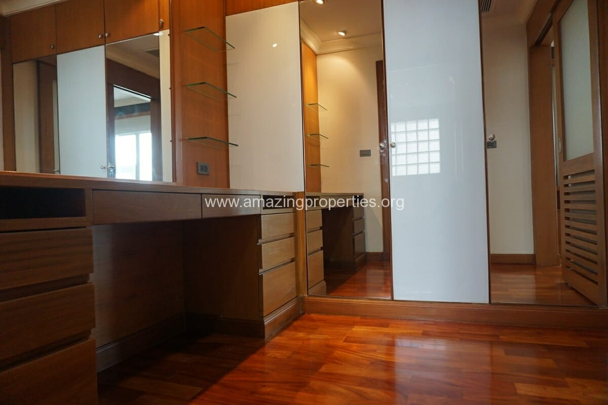 4 Bedroom Apartment for Rent BT Residence (44)