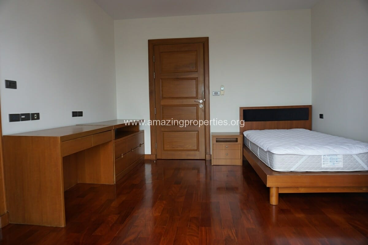 4 Bedroom Apartment for Rent BT Residence (48)