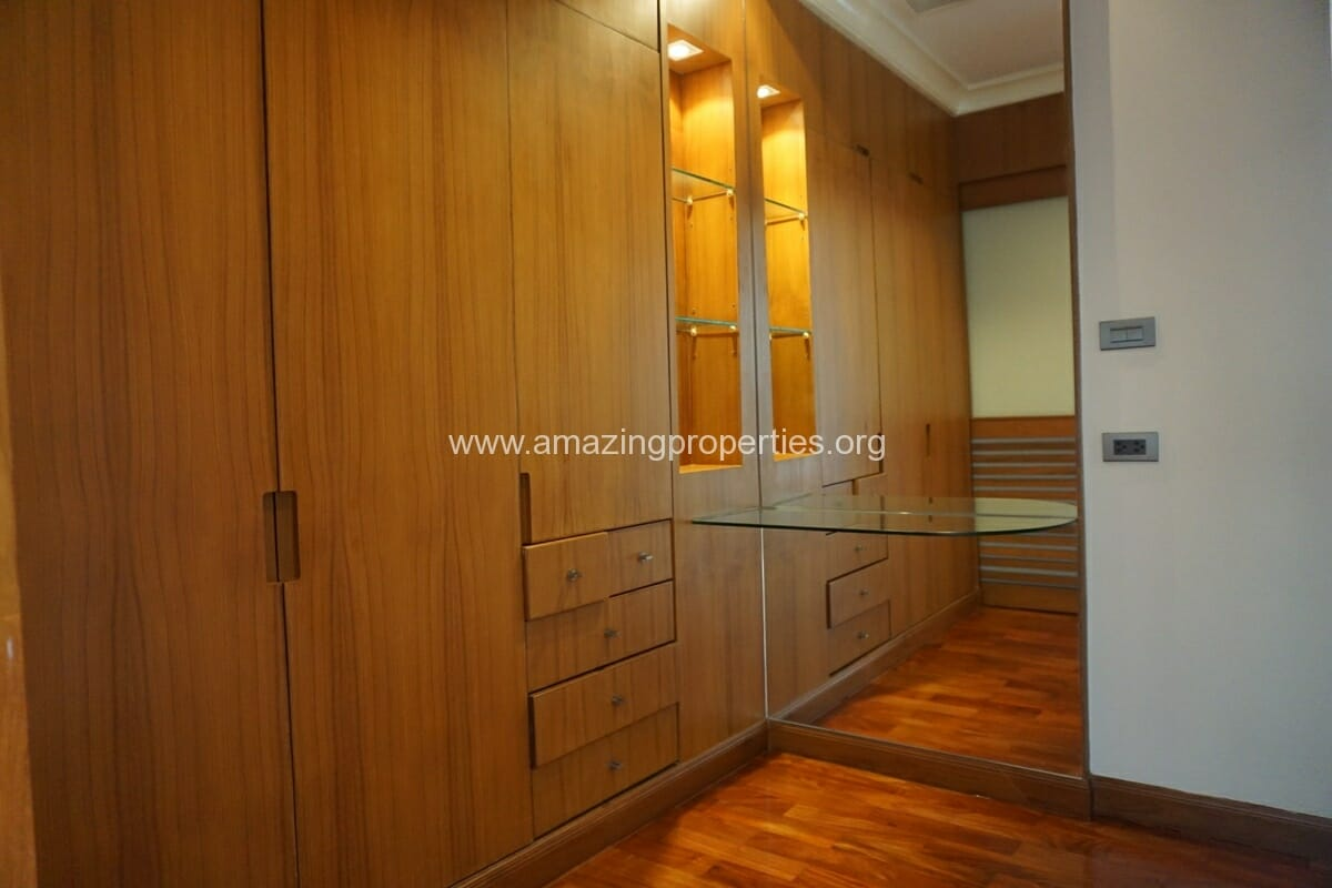 4 Bedroom Apartment for Rent BT Residence (51)
