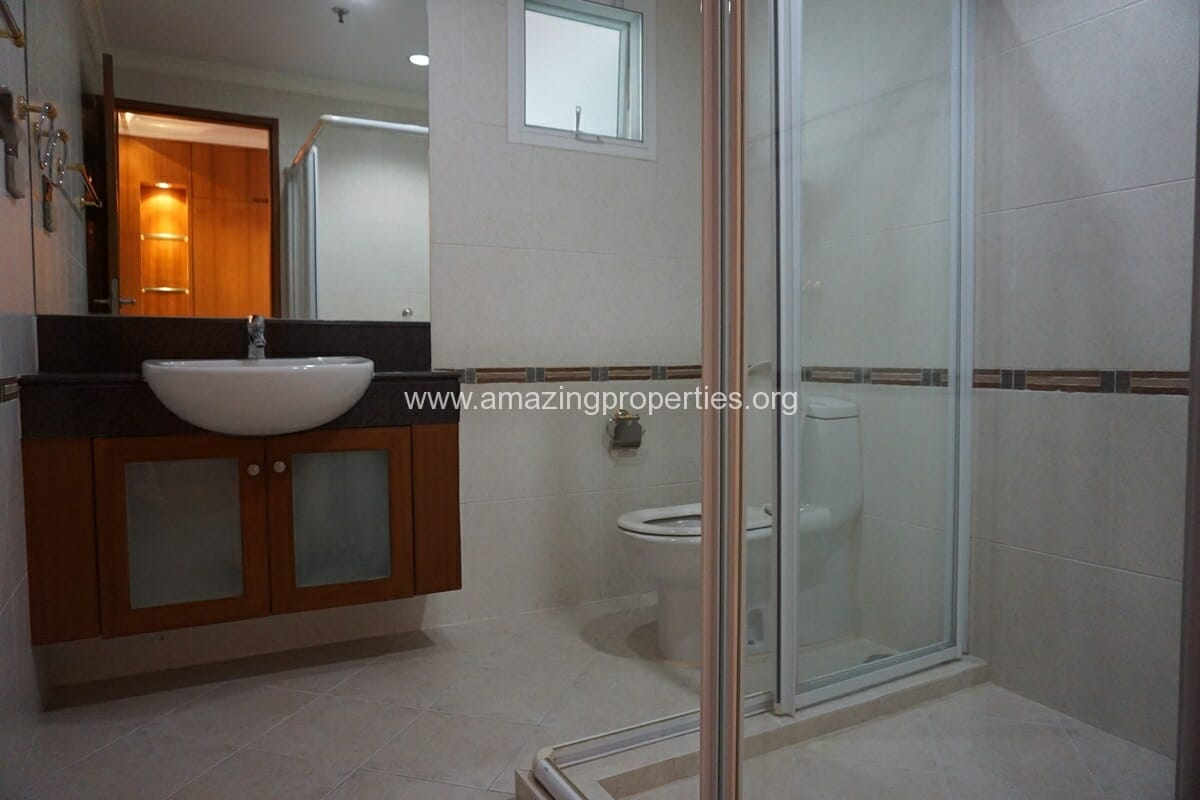 4 Bedroom Apartment for Rent BT Residence (53)