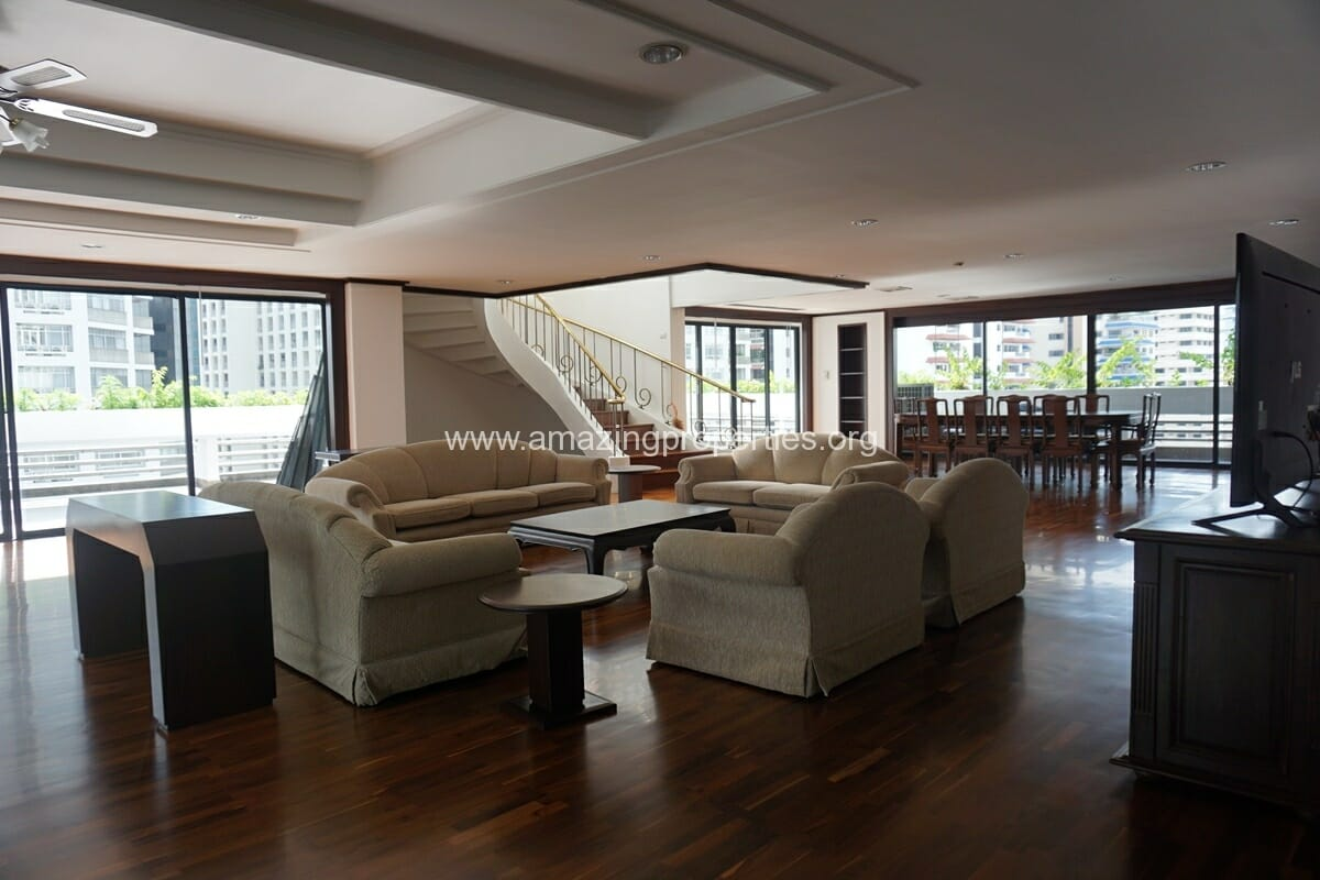 Duplex Penthouse for Rent Jaspal Apartment Sukhumvit 23 (1)