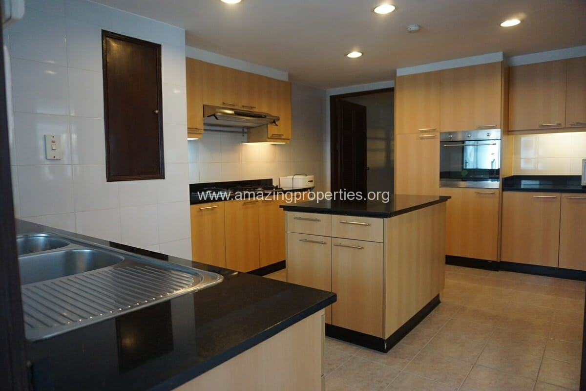 Duplex Penthouse for Rent Jaspal Apartment Sukhumvit 23 (10)
