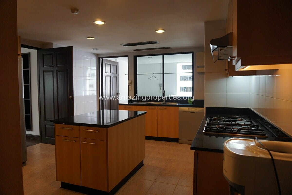 Duplex Penthouse for Rent Jaspal Apartment Sukhumvit 23 (11)