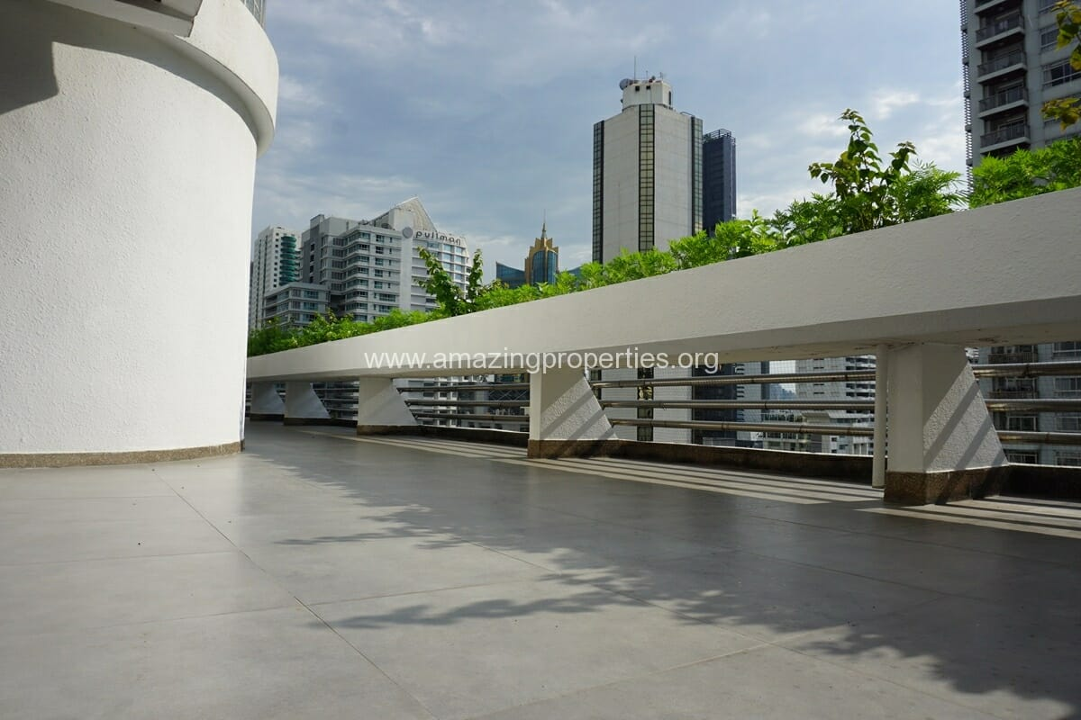 Duplex Penthouse for Rent Jaspal Apartment Sukhumvit 23 (20)