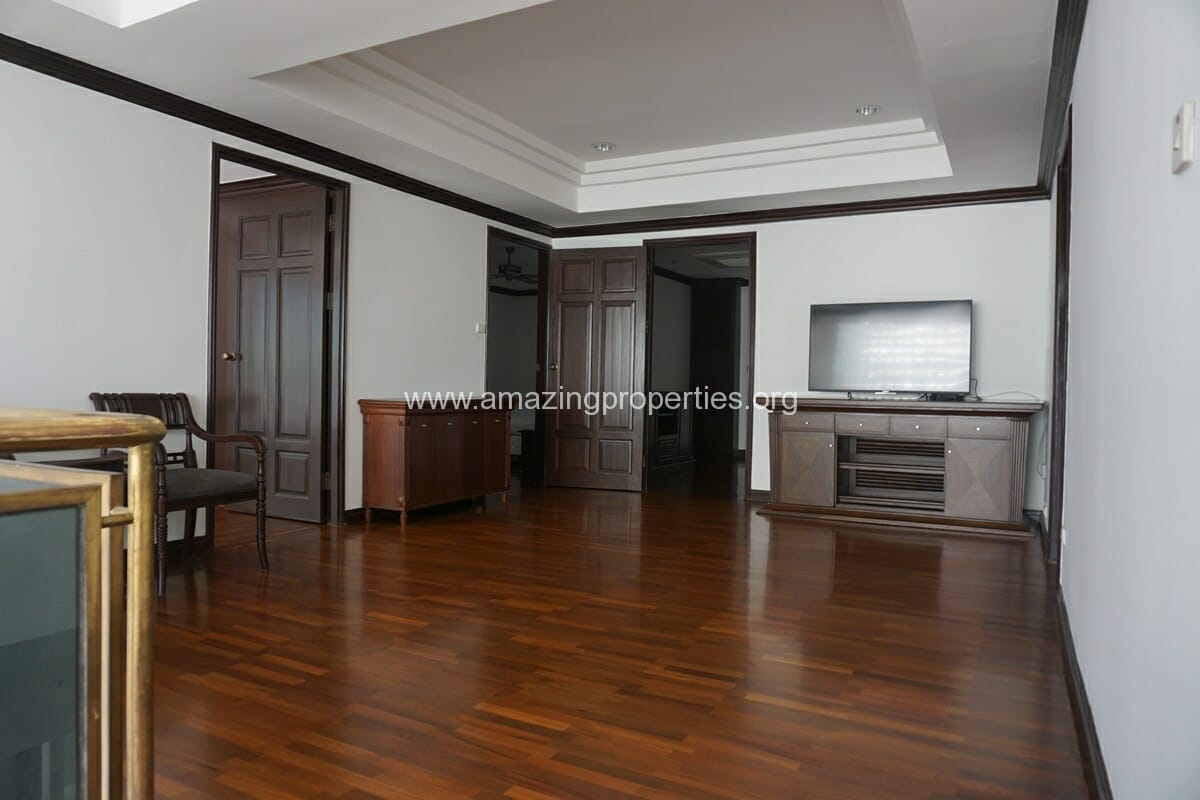 Duplex Penthouse for Rent Jaspal Apartment Sukhumvit 23 (21)
