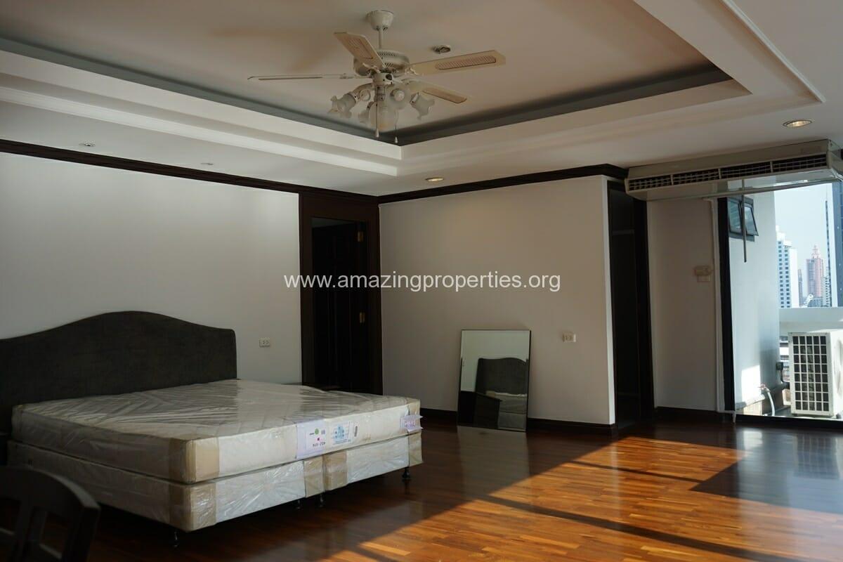 Duplex Penthouse for Rent Jaspal Apartment Sukhumvit 23 (23)