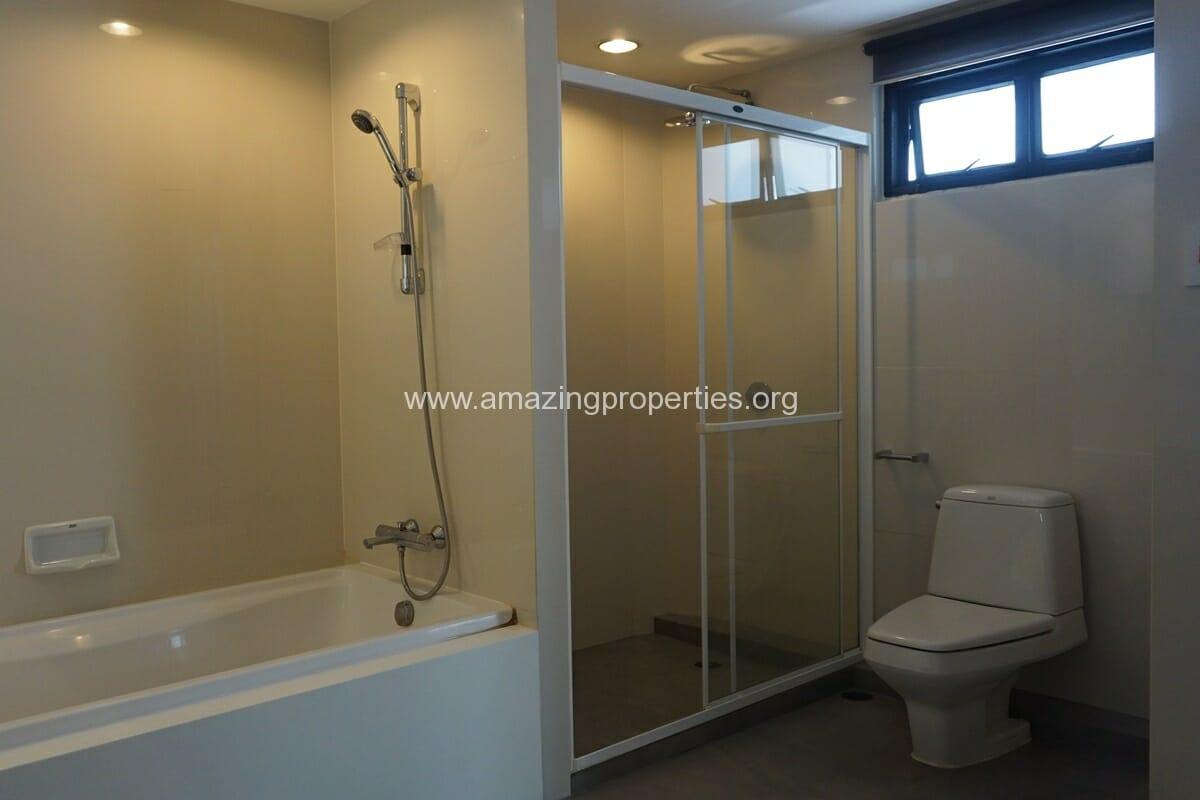 Duplex Penthouse for Rent Jaspal Apartment Sukhumvit 23 (27)