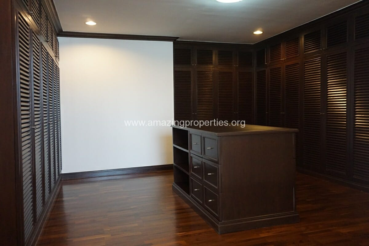 Duplex Penthouse for Rent Jaspal Apartment Sukhumvit 23 (29)